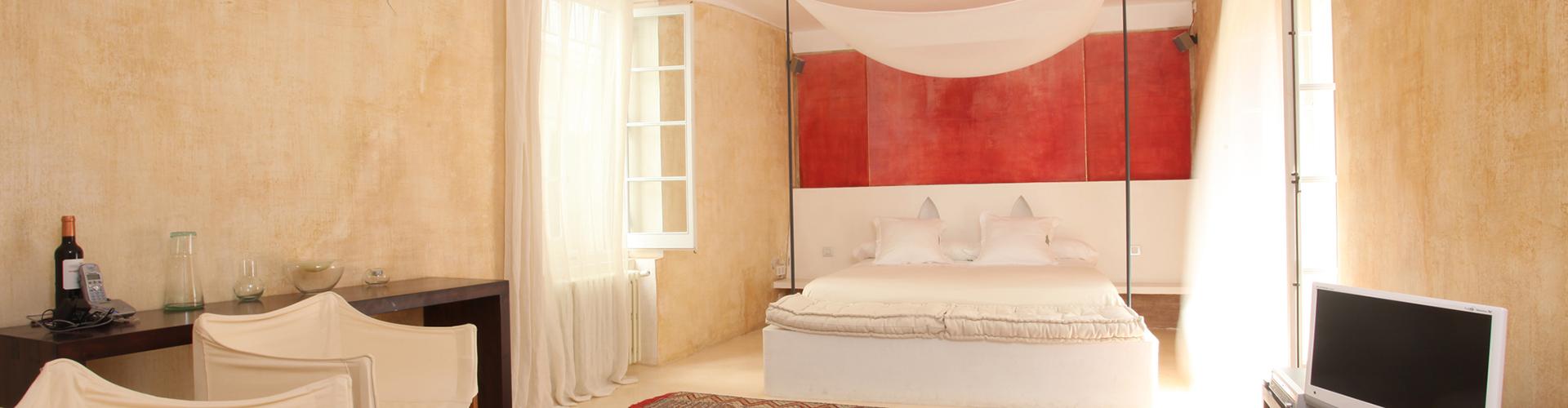 HOTEL TRES SANTS (2)