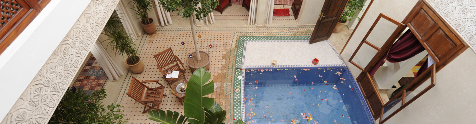 Patio con piscina del Riad de la Belle Époque, Marrakech.