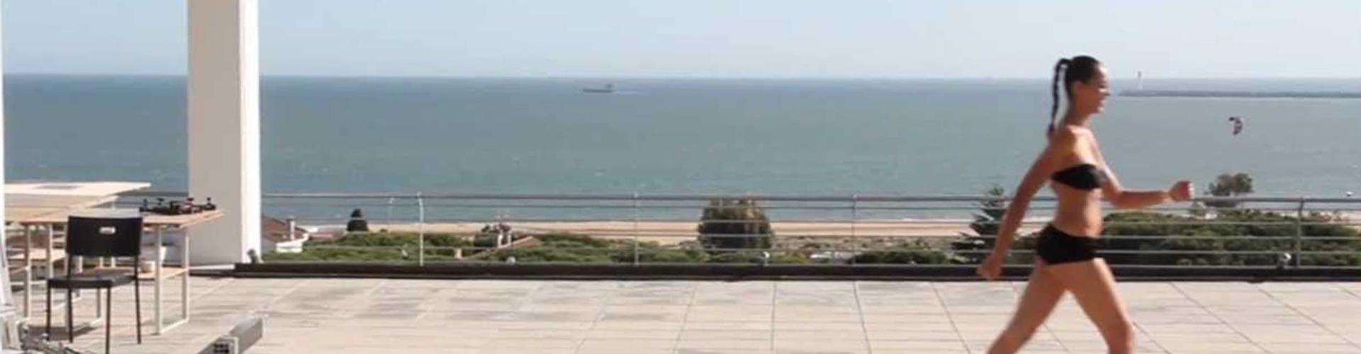 Hotel Mazagonia. Terraza con vistas al mar.