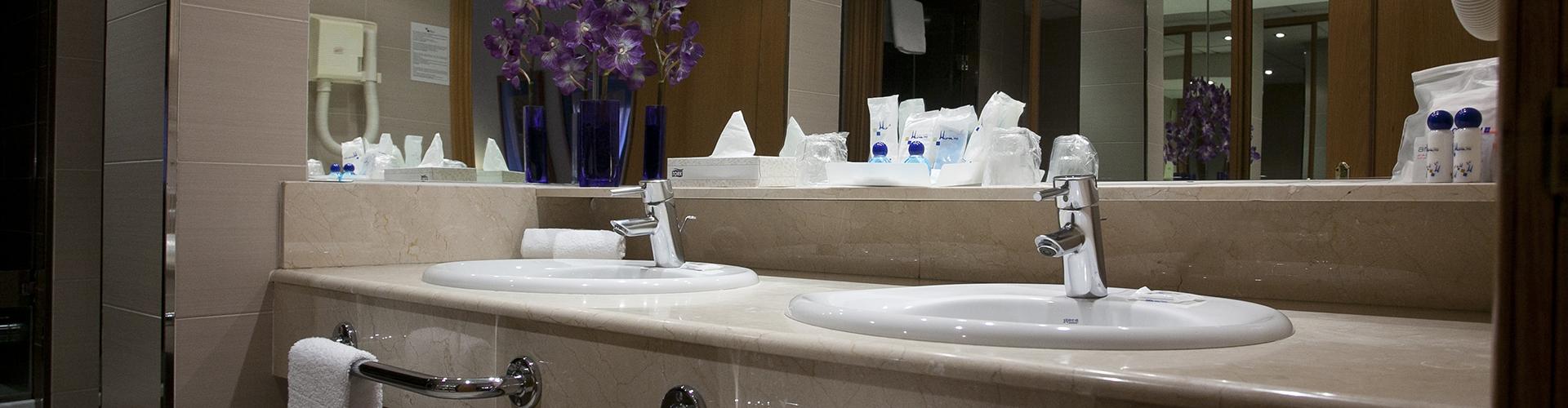 Baño apartamento recorte 1920×500