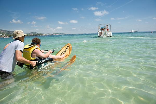 ES CONVENT D´ARIANY- Esquí acuático con Handisport 6x4